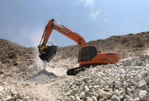 454 BF90.3 Doosan DX225lc Saudi Arabia Quarry Rock Najmeddine