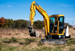 Electric Excavator on trial