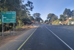 Malawi road 1 Sept
