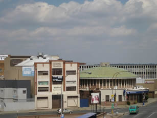 Standard_Bank_Rotunda_Speedwell_Building_Booysens_Road_lo