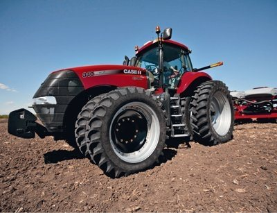 The_new_Case_IH_Magnum_340_b